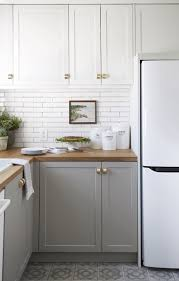 how to update rental kitchen cabinets 10 reversible rental tweaks for every level of diy daring