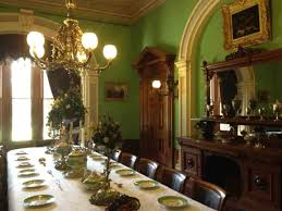 Mansion Dining Room Dragg