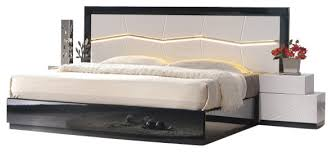 Bedroom Furniture Set Queen J U0026m Turin Black U0026 White Lacquer Queen Size Bedroom Set With Accent