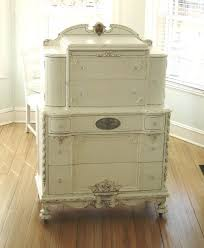 White Shabby Chic Furniture by 295 Best Dresser Images On Pinterest Painted Furniture Antique