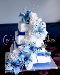 ideas about wedding cakes with blue flowers wedding ideas