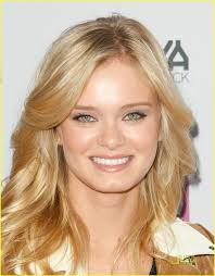 sara paxton u0026 ashton kutcher premiere spread photo 236661