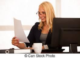 travaux de bureau femme heureuse bureau business ouvrier patron photo de
