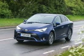toyota avensis review auto express