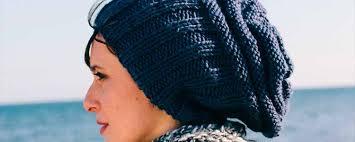 modelos modernos para gorras tejidas con patrón con video de katia para tejer un gorro para el invierno