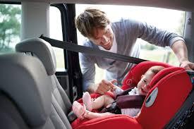 siège auto bébé 7 mois enfants les familiales sont trop étroites