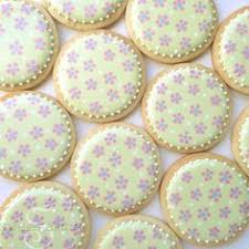Decorating With Royal Icing Half A Batch Of Royal Icing Recipe Icing Recipe Royal Icing And
