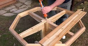 Wooden Patio Table How To Make A Easy Diy Wooden Patio Table Sia Magazine