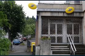 fermeture des bureaux de poste economie maintien du bureau de poste à solaure un appel aux élus