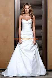 robe de soir e mari e robe de mariée col v bretelles en dentelle robes de soirée