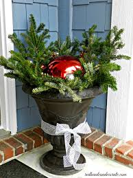 Christmas Decorations For The Outdoors by Outdoor Christmas Decor Redhead Can Decorate