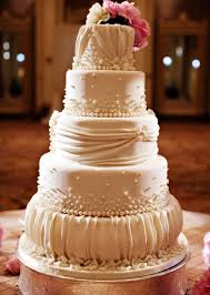 wedding cakes 2016 wedding cake toppers traditional yet classic looking