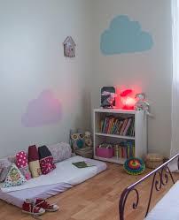 pochoir chambre comment peindre pochoirs muraux avec pochoir chambre b b avec