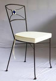 chaises en fer forgé chaise en fer forgé plein et mosaïque en céramique blanc et losange
