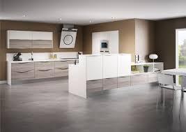 stratifié cuisine cuisine modèle sciée en stratifié décor bois cuisine
