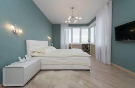 chambre peinture bleu couleur tendance pour une chambre peinture bleu ciel parquet