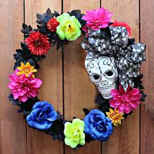 How To Make Halloween Wreaths by Mark Montano Two Easy Halloween Wreaths
