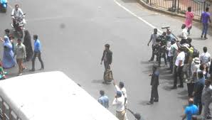 from mannat to marine lines srk shoots in a chawl the quint