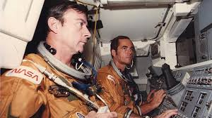 John Young Us Astronaut And Space Shuttle Commander Dies Euronews