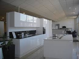 cuisine blanc laqué meuble de cuisine blanc laque pour decoration cuisine moderne