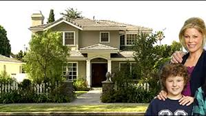 modern family u0027 house for sale for 2 35 million hollywood reporter