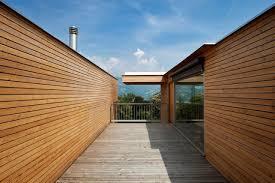 rivestimento listelli legno rivestimenti per esterni come sceglierli e come posarli