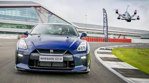 nissan gtr australia 2016 video it u0027s a nissan gt r versus a drone obviously top gear