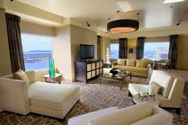 commander in chief 20 san diego presidential suites