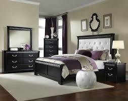 White Quilt Bedroom Ideas Apartment Bedroom Black Bed White Quilt Decoration Venetian