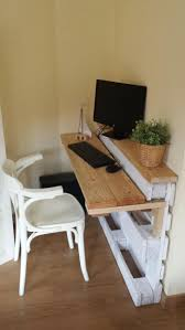 clever desk ideas 70 ideas for pallet furniture and other clever ideas hum ideas