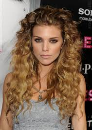 great haircuts for curly hair 14 easy ways to diy your very own shakira costume this halloween