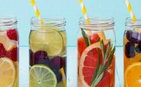 membuat infused water sendiri minuman sehat buat diet nih yuk buat infused water dengan 7 buah ini