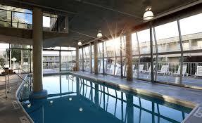 kelowna hotel with indoor pool u0026 tub best western kelowna