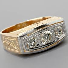 mens three stone diamond ring