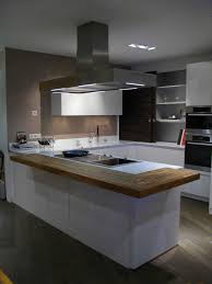 cuisine blanche plan travail bois cuisine blanche avec plan de travail bois 7729 klasztor co