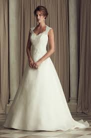 preowned wedding dress pre owned wedding dress pronovias arlene 1 250 size 10 wedding