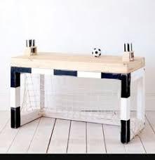 bureau enfant oui oui bureau enfant en bois l 65 cm le coin des devoirs