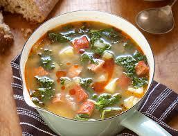 cuisiner chou frisé soupe au chorizo et au chou frisé à la portugaise caldo verde