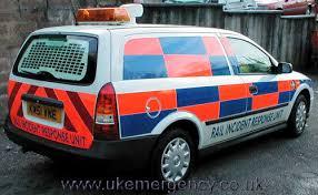 use of amber lights on vehicles railway response uk emergency vehicles