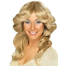 70s disco hairstyles 26 best 70 s fancy dress images on pinterest beautiful women