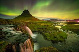 best time of year for northern lights in iceland the best time to see the northern lights in iceland hey iceland blog