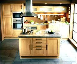fabriquer ilot central cuisine ilot central pour cuisine cuisines en arlot elles jouent les