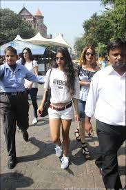gauri khan heads to alibaug with daughter suhana to prep up for