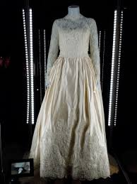 of the gowns wedding dress worn by kimberley williams as banks in
