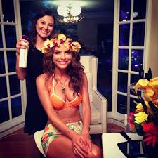 Tropical Themed Clothes - maria menounos throws island themed birthday bash ny daily news
