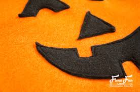 halloween pumpkin bag pumpkin tote bag free pattern and tutorial fleece fun