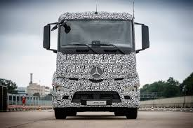 how much does a volvo truck cost tesla mercedes and nikola gear the 3 way electric semi battle