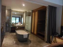 chambre enfilade salle de bain dans l enfilade de la chambre photo de alaya resort