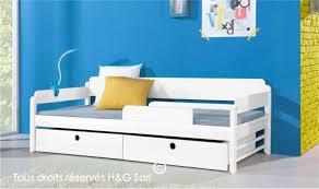 chambre enfant bois massif porte fenetre pour chambre enfant bois massif beau lit enfant pin