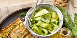 comment cuisiner une courgette recette courgette thermomix facile et pas cher recette sur